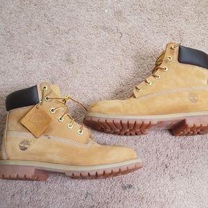 Timberland wheat boots